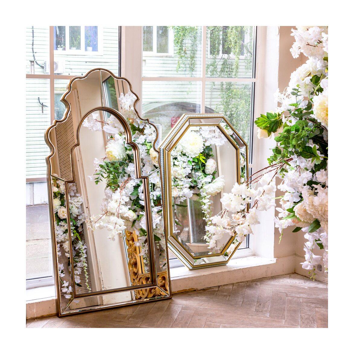 Настенное зеркало «Капелла» 3   Настенные зеркала Kingsby
