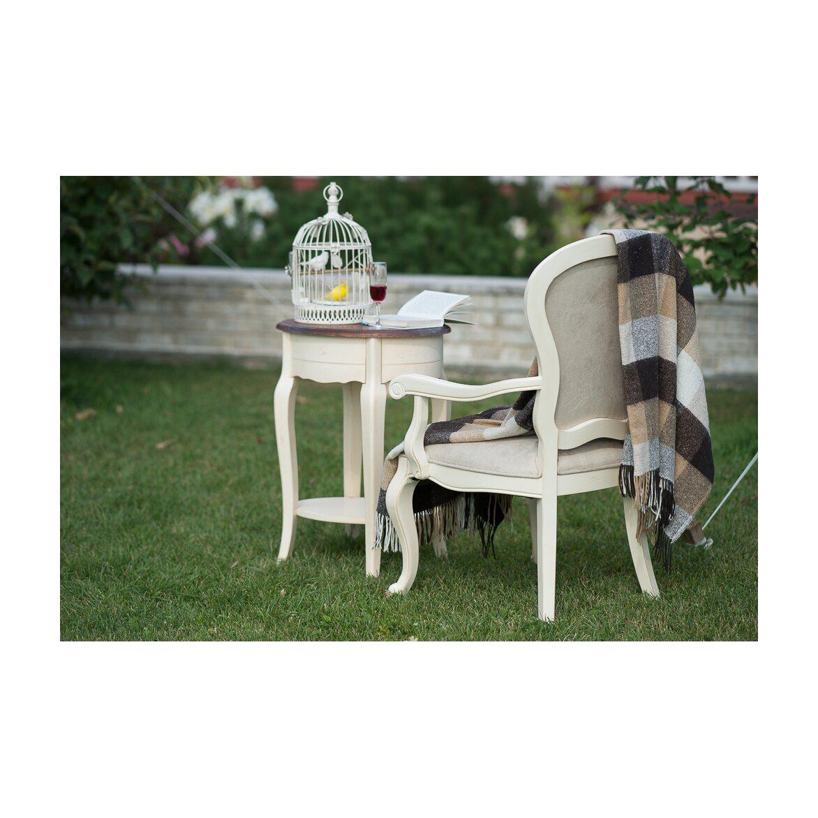 Полукресло с твердыми подлокотниками Leontina, бежевого цвета 3   Кресло-стул Kingsby