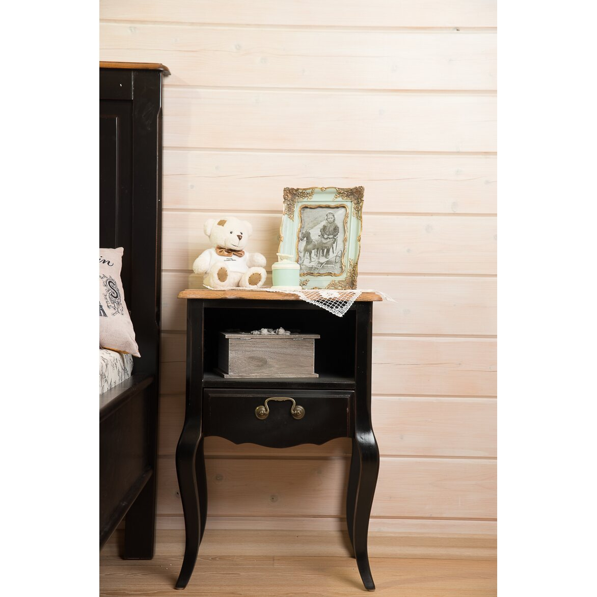 Прикроватная тумба с ящиком и полкой Leontina, черного цвета 3 | Прикроватные тумбы Kingsby