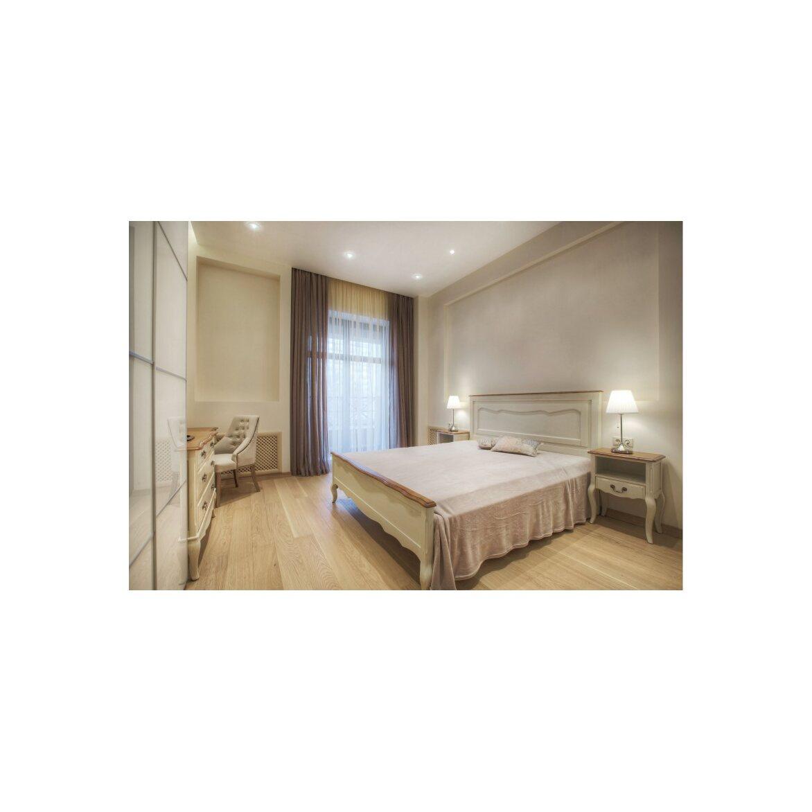 Кровать двуспальная 160*200 Leontina, бежевого цвета 3   Двуспальные кровати Kingsby