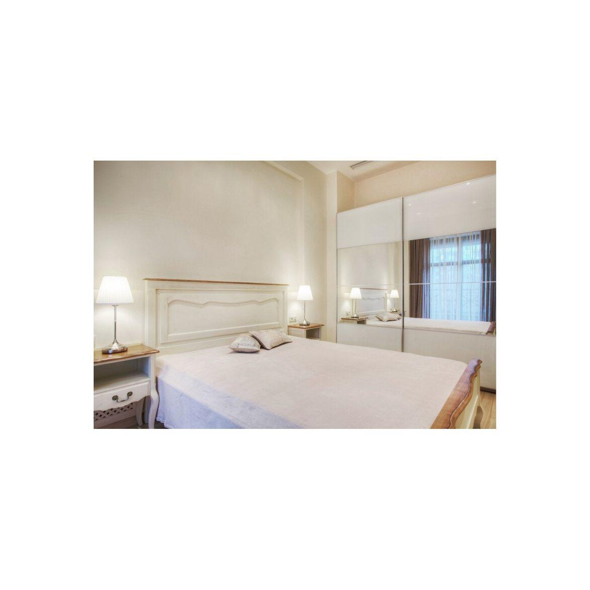 Кровать двуспальная 160*200 Leontina, бежевого цвета 4   Двуспальные кровати Kingsby