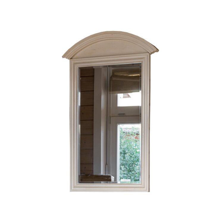 Прямоугольное зеркало настенное Leontina, бежевого цвета | Настенные зеркала Kingsby