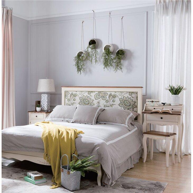 Кровать с мягким изголовьем 174*212 Leontina, бежевого цвета | Двуспальные кровати Kingsby